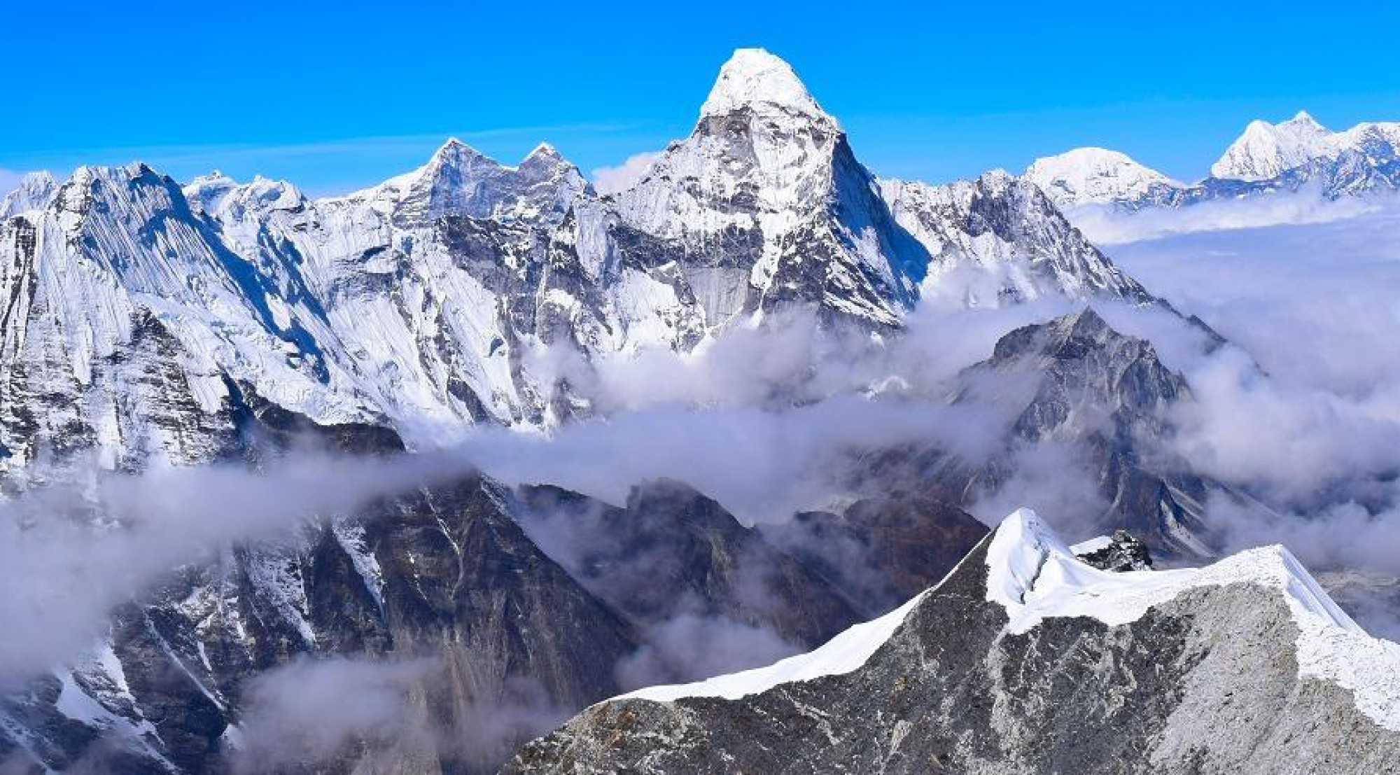 Island peak climbing with Gokyo chola pass everest base camp